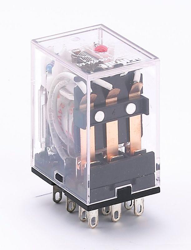 Реле промежуточное ПР-102 3 конт. с инд. LED 5А 220В AC SchE 23220DEK
